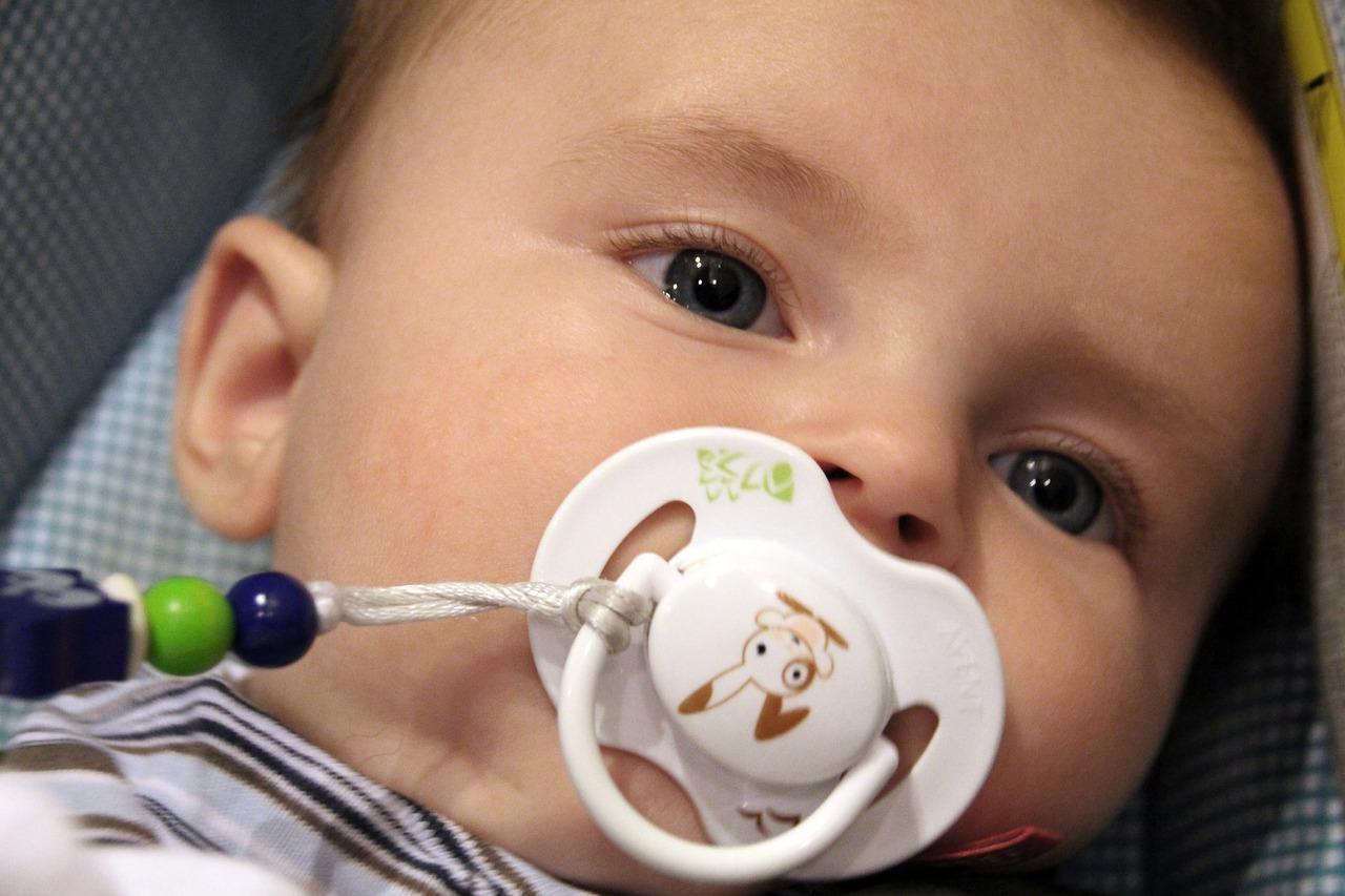 赤ちゃんの気持ちがわかる「 おしゃぶり センサ 」はドラえもんのひみつ道具になれるのか?